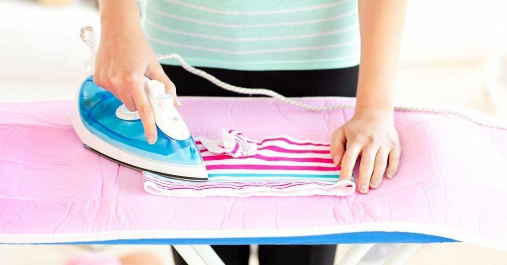 глажение утюгом детской одежды
