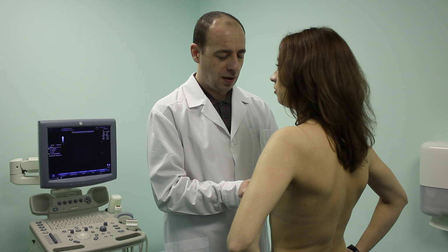 женщина у маммолога