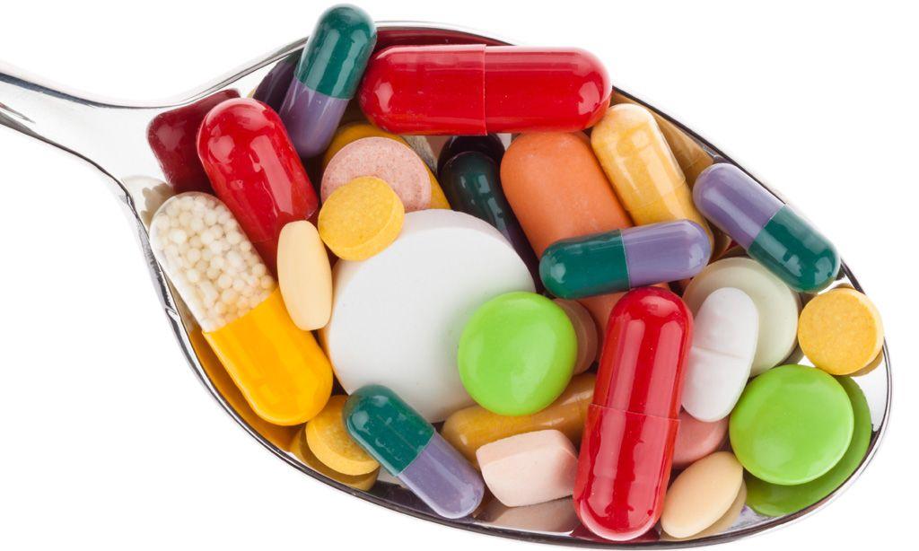 ложка с таблетками