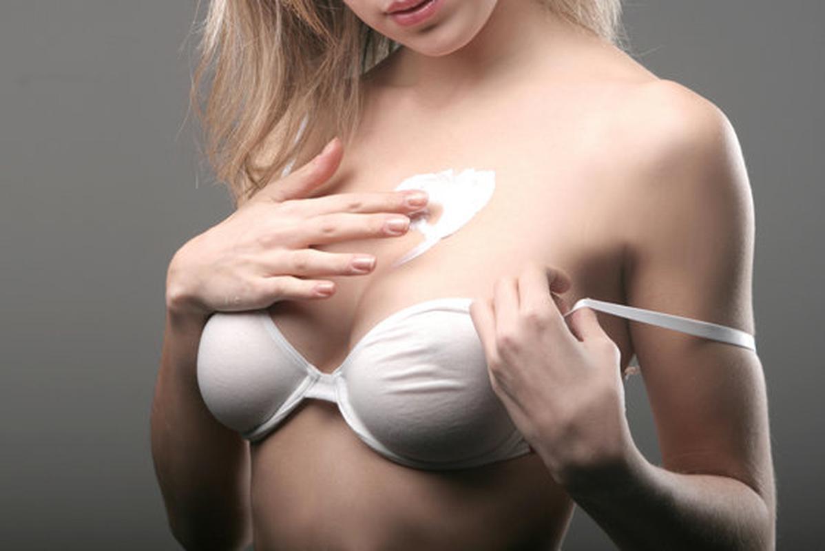Сперма на висячих сиськах фото, Сперма на груди девушек фото » Страница 2 19 фотография
